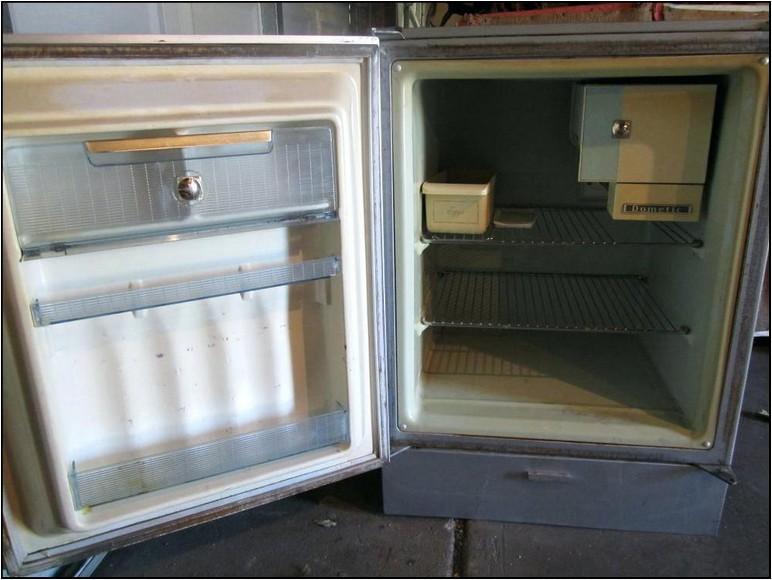 Coca Cola Retro Refrigerator For Sale