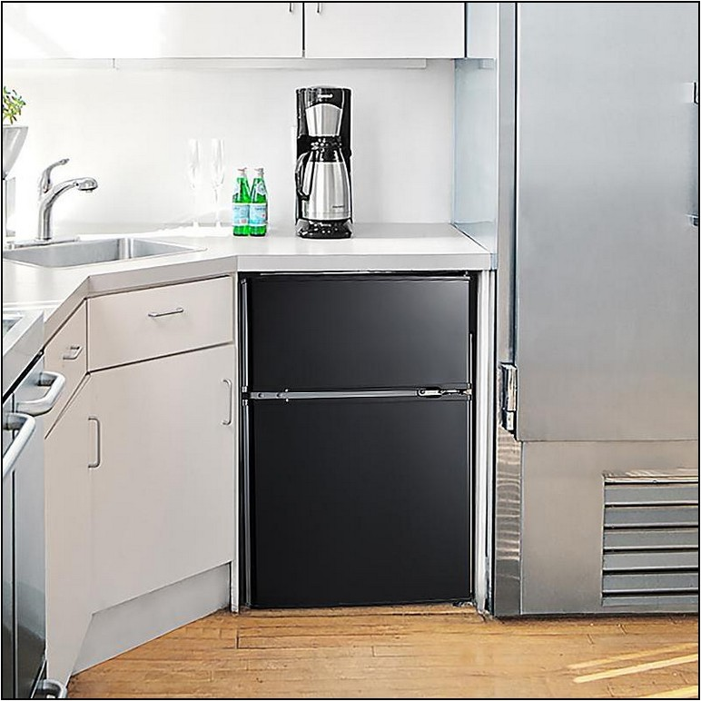 Refrigerators For Small Spaces Reviews