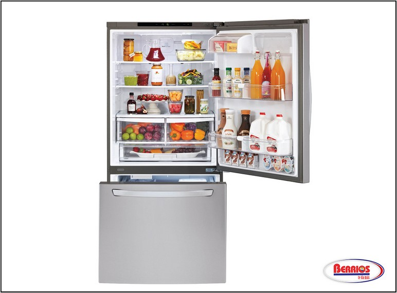White Bottom Freezer Refrigerator With Ice Maker