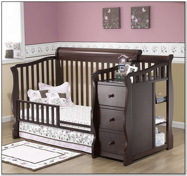 Convertible Crib And Changing Table Set