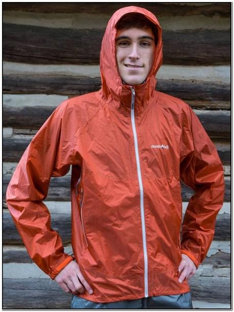 Best Lightweight Rain Jacket For Hiking