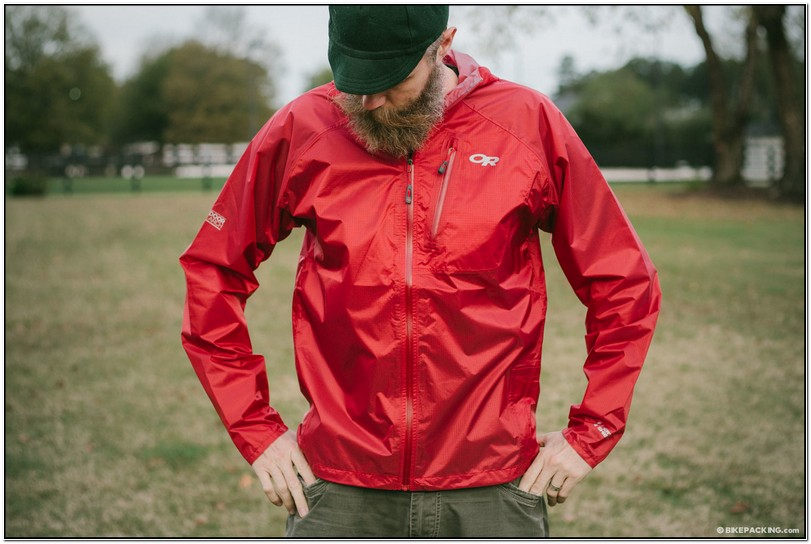 Best Lightweight Rain Jacket For Hot Weather